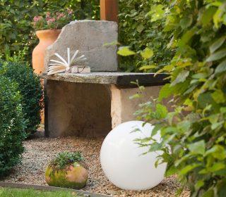Arbeitsfläche mit Steinplatte