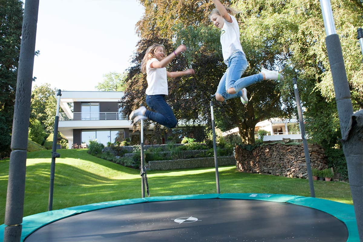 Gartengestaltung in osnabr ck melle bielefeld garten for Gartengestaltung trampolin